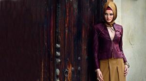 gorsel 03 300x168 Alvina Tesettür Giyim Abiye Elbise Modelleri 2014